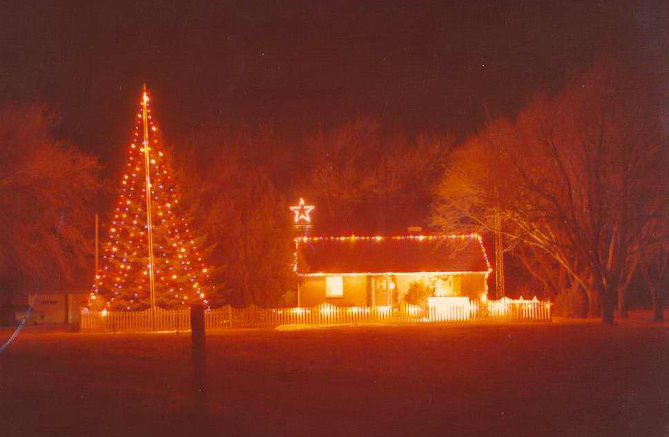 High Plains Museum |PM247HOUSE Christmas lights on the home of Mr. & Mrs. William Hayden in 1976